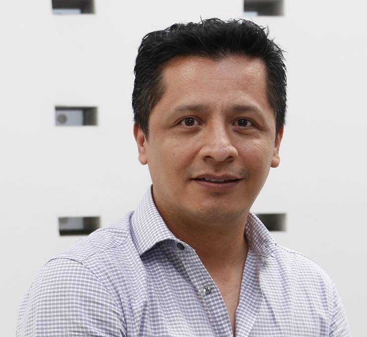 Mtro. Carlos Avendaño Villela